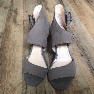 Jessica Simpson peep toe Heels Size:6.5